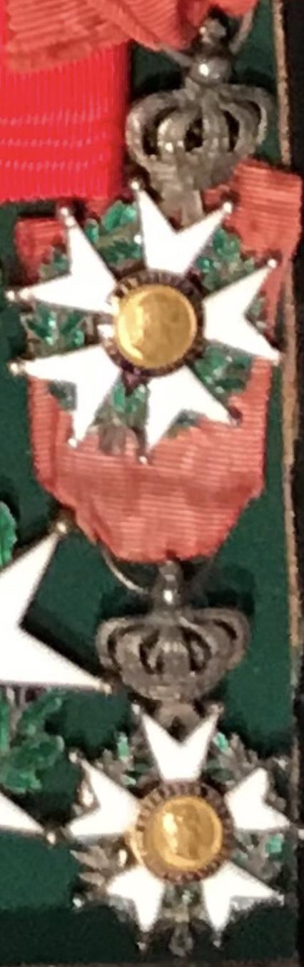 Aide sur un détails des Légions d' Honneur 1c93c510