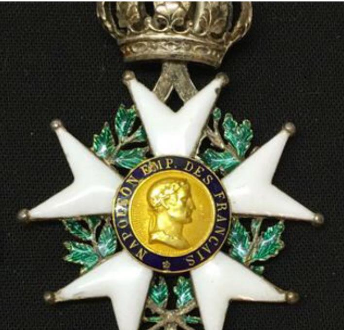 Identification du modèle de la Légion d'honneur - Page 2 28705e10