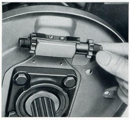 Définition technique des freins arrière lowlight début 57 Lamell10