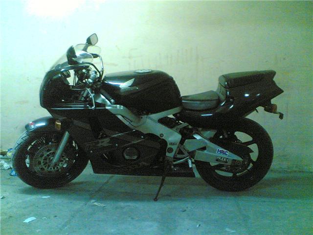موتوسيكل هوندا 400 CC استراد للبيع 5a41bc10
