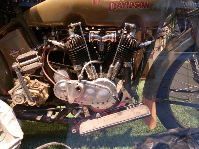 Une Harley en Vitrine à Montréal Bretag87