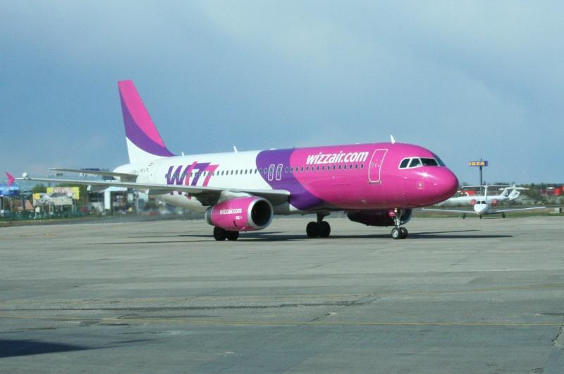 Wizz Air (W6 / WZZ) Ha-lpl11