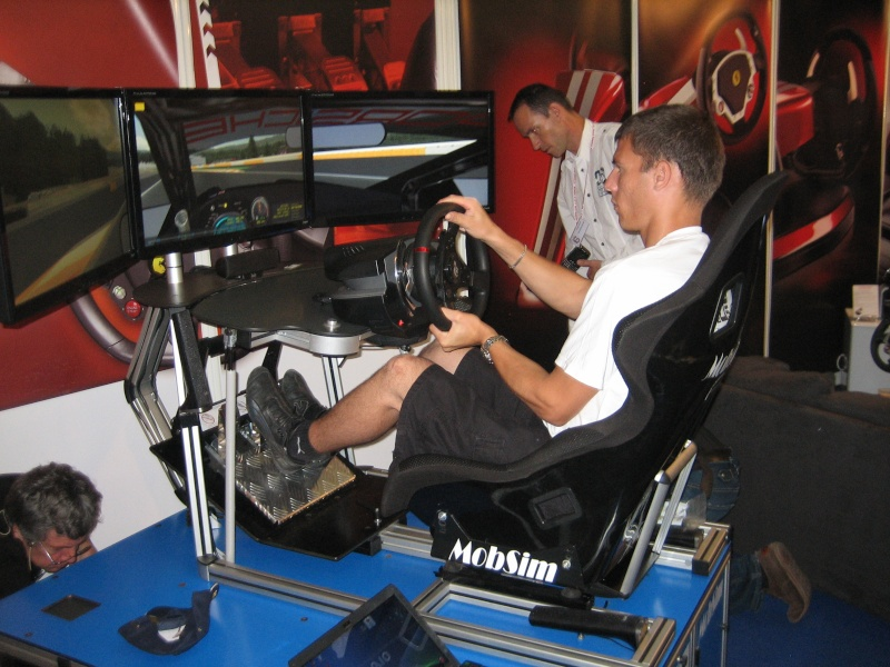 REVONS UN PEU !!!! The VRX iMotion racing simulator Img_0110