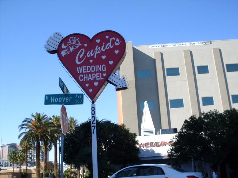 Groupe faisant un cercle à Las Vegas, Nevada - USA Cupid10