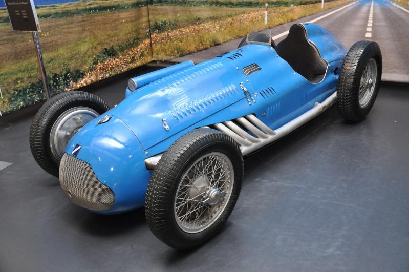 Mulhouse: La Cité de l' automobile, the largest car museum in the world. Dsc_0710