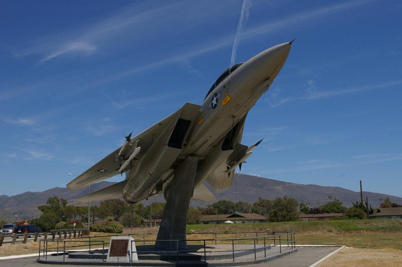 Un Avion ? Non ! Un missile ! Circleville, Utah - Etats-Unis [07/04/2006] Imgp1411