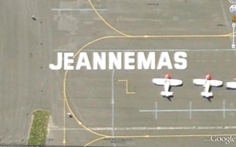 Les inscriptions et écritures sur aérodromes et aéroports - Page 6 Jeanne10