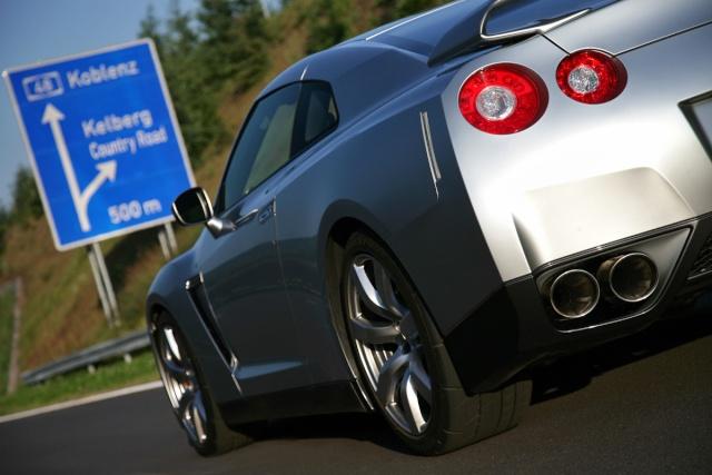 Nissan GTR 00810