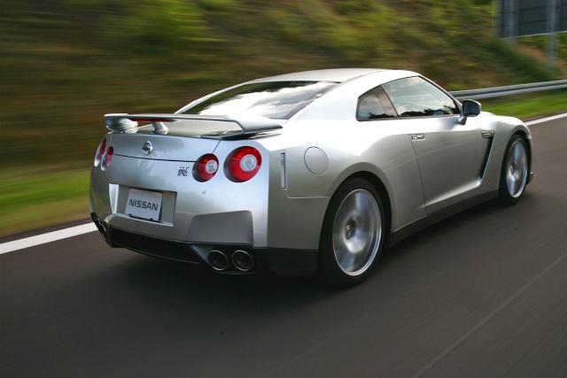 Nissan GTR 02110