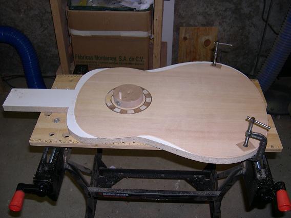 Fabrication d'un dessus de guitare classique Dscn6619