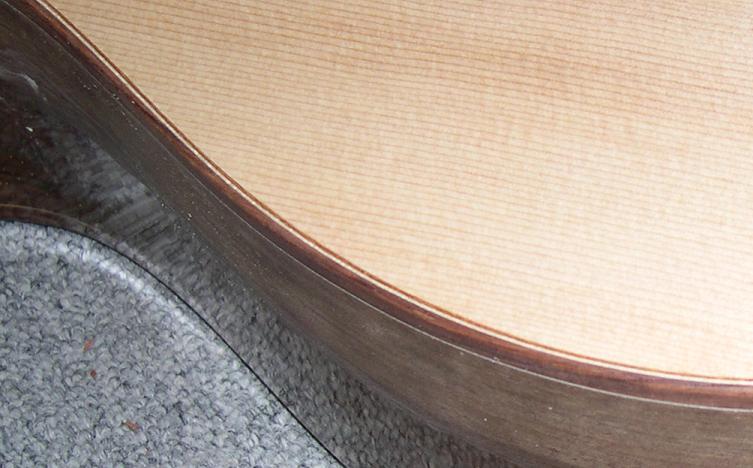 Fabrication d'un dessus de guitare classique Dscn6829