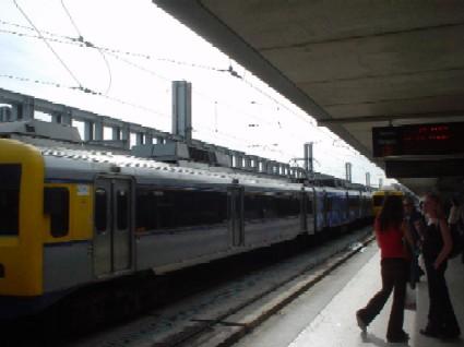"""A CP, em parceria com a LPN, promoveu hoje dia 9 de Outubro, o Comboio do Ambiente, que tem como o tema """"O Comboio e o Planeta Terra"""" Comboi10"""