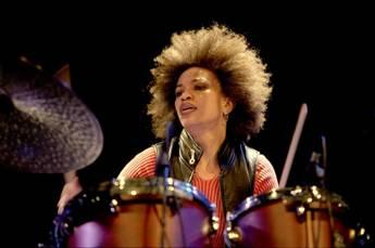 A FNAC do Chiado apresenta na próxima sexta-feira, dia 10 de Outubro, pelas 18.30 horas, o Festival Internacional Seixal Jazz Seixal11
