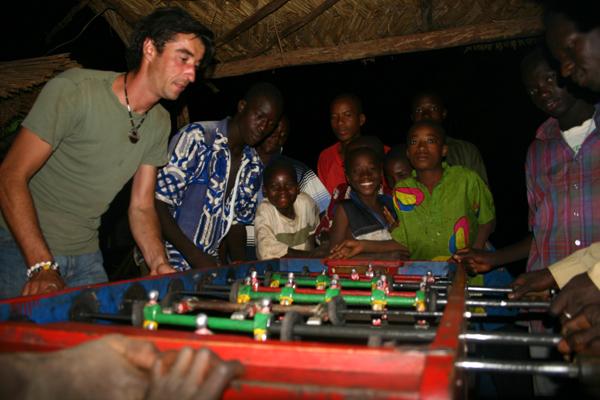Récit d'un voyage en Afrique à bord d'une 2CV 2006 005_ma11