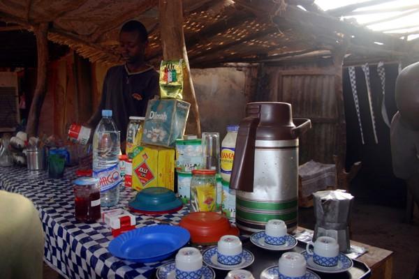 Récit d'un voyage en Afrique à bord d'une 2CV 2006 016_ma12