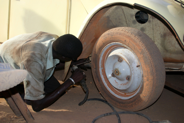 Récit d'un voyage en Afrique à bord d'une 2CV 2006 019_ma10