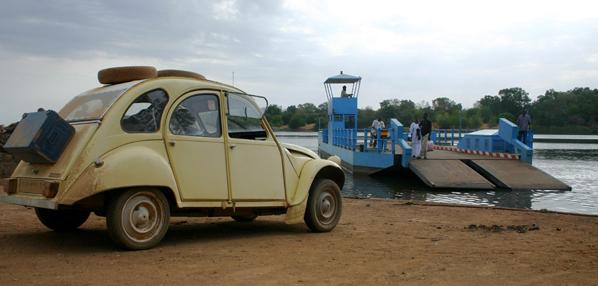 Récit d'un voyage en Afrique à bord d'une 2CV 2006 028_ma10
