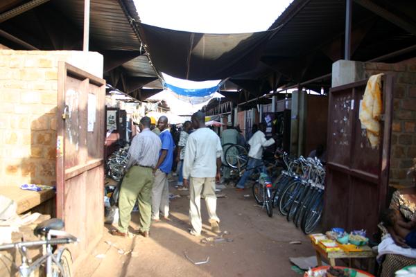 Récit d'un voyage en Afrique à bord d'une 2CV 2006 034_bu10