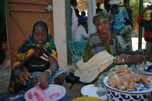 Récit d'un voyage en Afrique à bord d'une 2CV 2006 038_ma10
