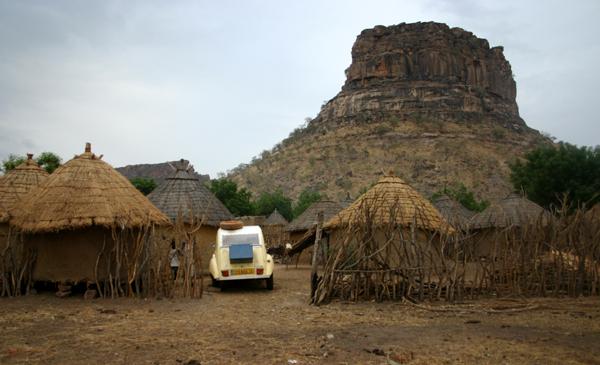 Récit d'un voyage en Afrique à bord d'une 2CV 2006 039_ma11