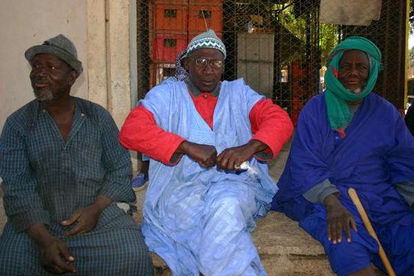 Récit d'un voyage en Afrique à bord d'une 2CV 2006 041_ma10