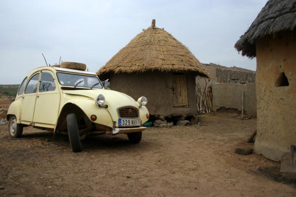 Récit d'un voyage en Afrique à bord d'une 2CV 2006 046_ma11