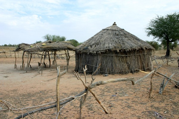Récit d'un voyage en Afrique à bord d'une 2CV 2006 050_ma10