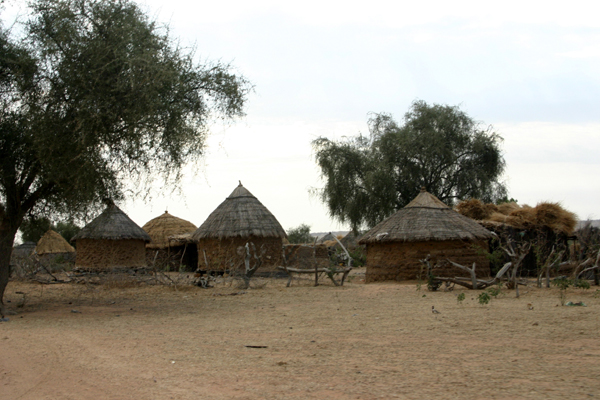 Récit d'un voyage en Afrique à bord d'une 2CV 2006 051_ma11