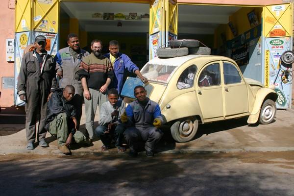 Récit d'un voyage en Afrique à bord d'une 2CV 2006 062_ma10