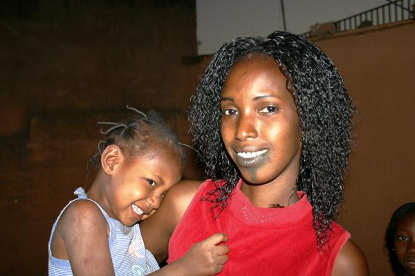 Récit d'un voyage en Afrique à bord d'une 2CV 2006 075_bu10