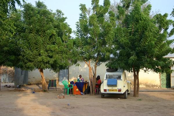 Récit d'un voyage en Afrique à bord d'une 2CV 2006 076_ch11