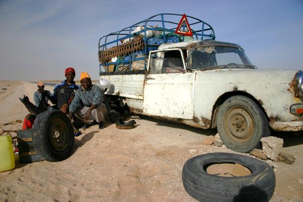 Récit d'un voyage en Afrique à bord d'une 2CV 2006 137_ma10