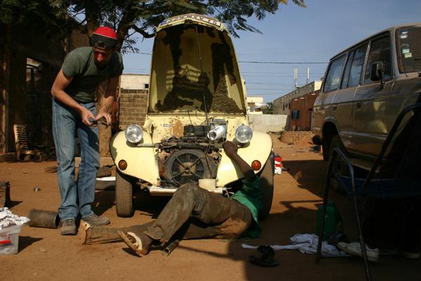 Récit d'un voyage en Afrique à bord d'une 2CV 2006 143_ma10