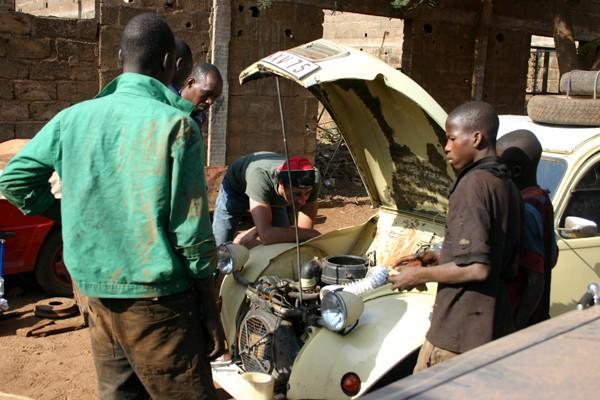 Récit d'un voyage en Afrique à bord d'une 2CV 2006 146_ma11