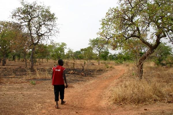 Récit d'un voyage en Afrique à bord d'une 2CV 2006 155_bu10