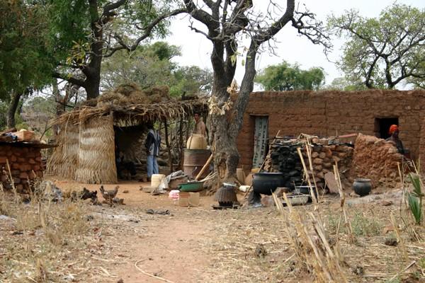 Récit d'un voyage en Afrique à bord d'une 2CV 2006 157_bu10