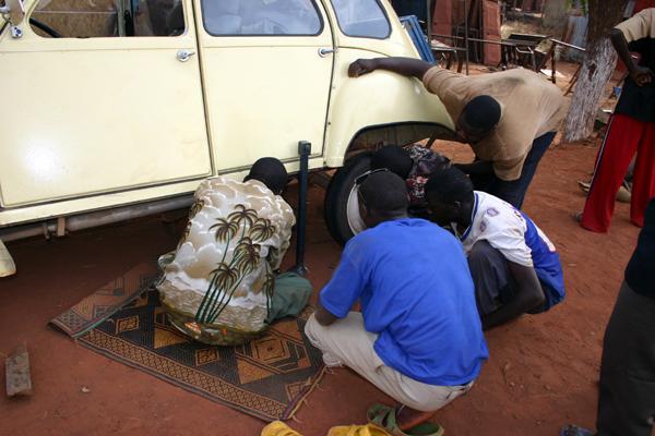 Récit d'un voyage en Afrique à bord d'une 2CV 2006 164_ma10
