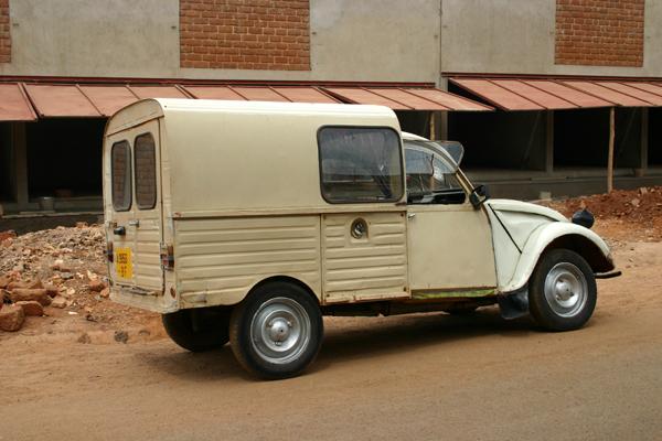 Récit d'un voyage en Afrique à bord d'une 2CV 2006 227_bu10