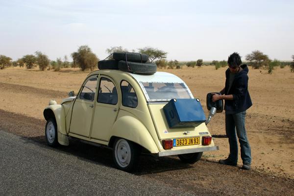 Récit d'un voyage en Afrique à bord d'une 2CV 2006 247_ro10