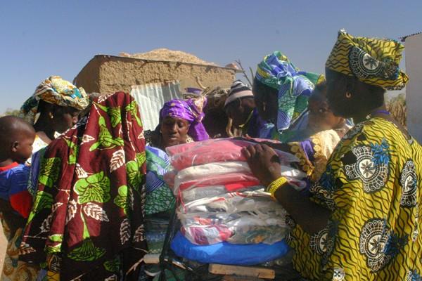 Récit d'un voyage en Afrique à bord d'une 2CV 2006 77_che10