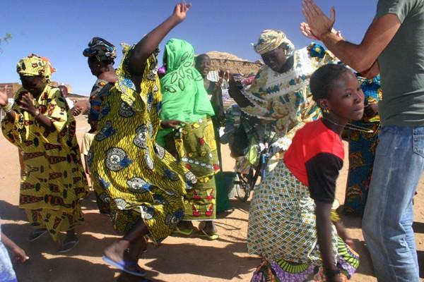Récit d'un voyage en Afrique à bord d'une 2CV 2006 79_che10