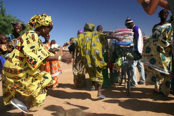 Récit d'un voyage en Afrique à bord d'une 2CV 2006 80_che10