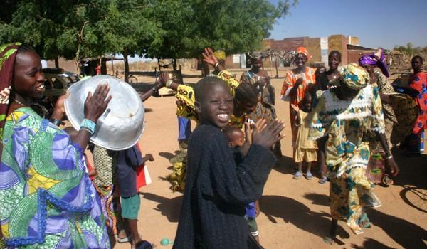 Récit d'un voyage en Afrique à bord d'une 2CV 2006 82_che10