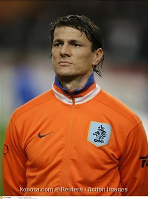 مدرب هولندا يستدعي بولاحروز للمشاركة في يورو 2008 بعد استبعاد بابل Epa_s201