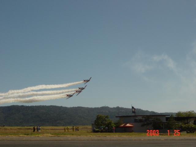 Aeroshow en Ilopango 2003. Dsc00024