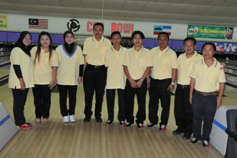 Ahli KSH JPS Kota Belud sudah mula main bowling.....:) B110