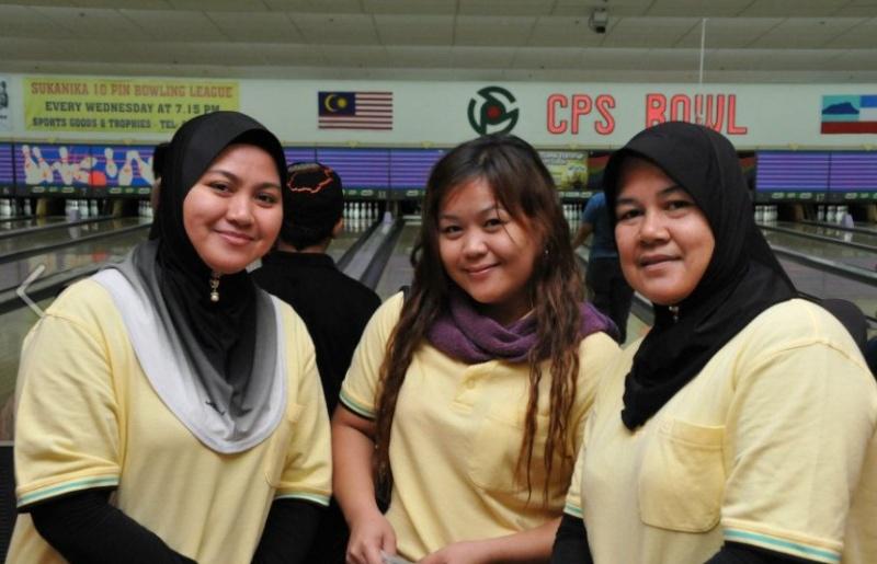 Ahli KSH JPS Kota Belud sudah mula main bowling.....:) B210