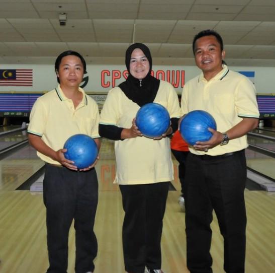 Ahli KSH JPS Kota Belud sudah mula main bowling.....:) B610