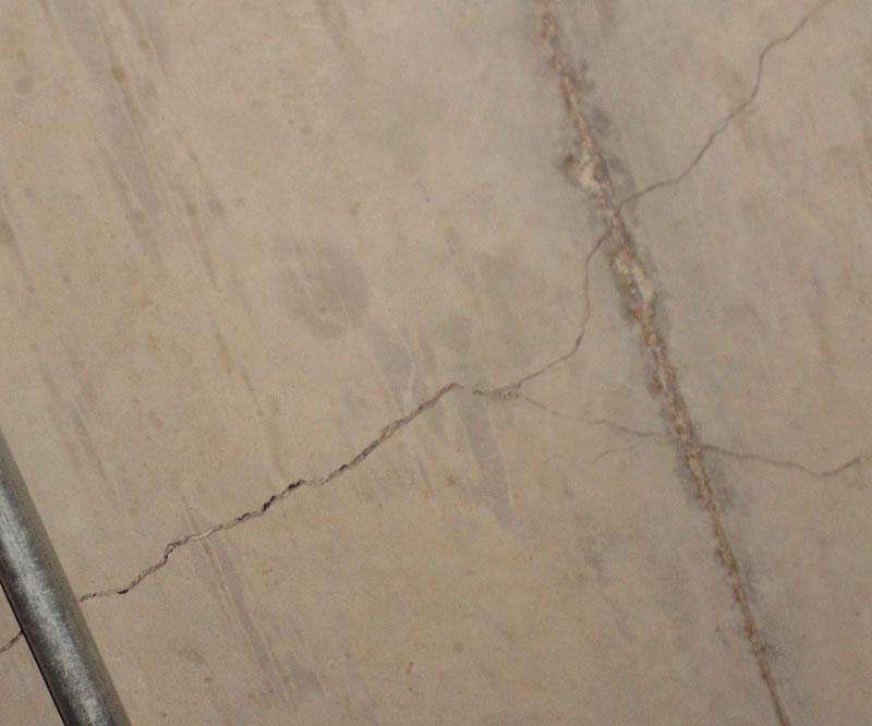 Cracks in the Parking Kl_par11