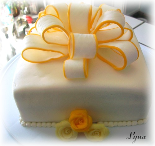 Fondant à la guimauve ou pâte à sucre pour recouvrir ou décorer des gâteaux Gateau21